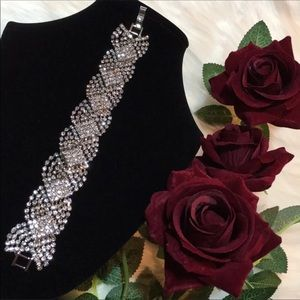 Jewelry - Unique Crystal Bracelet